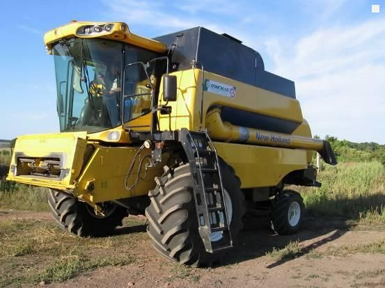 Комбайн New Holland CS 6090
